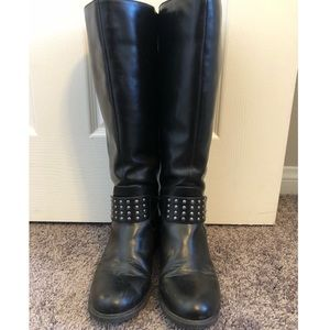 Black riding style boots